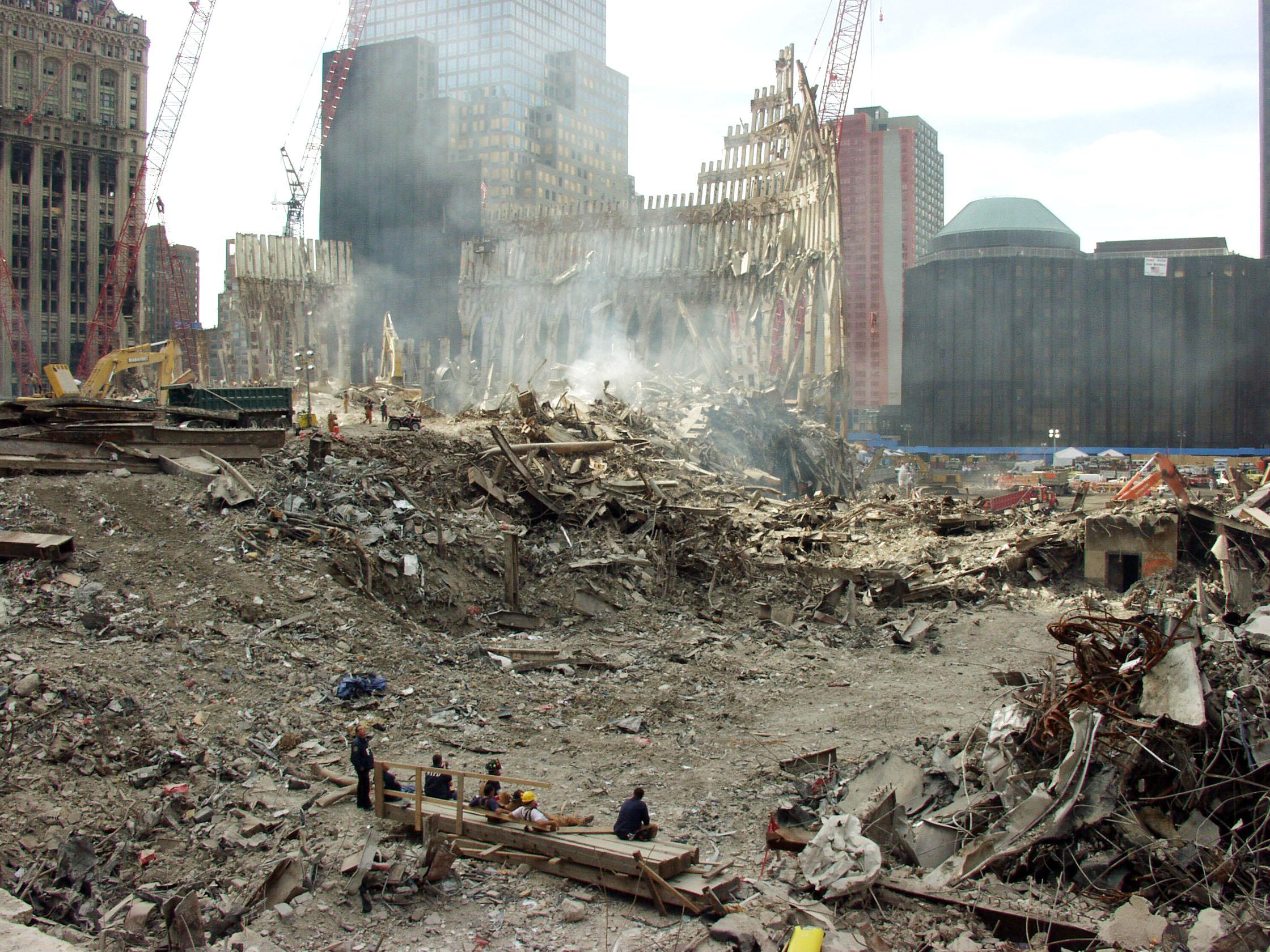 DR 1391 NY 10 12 2001 New York City Ground Zero Debrie Removal