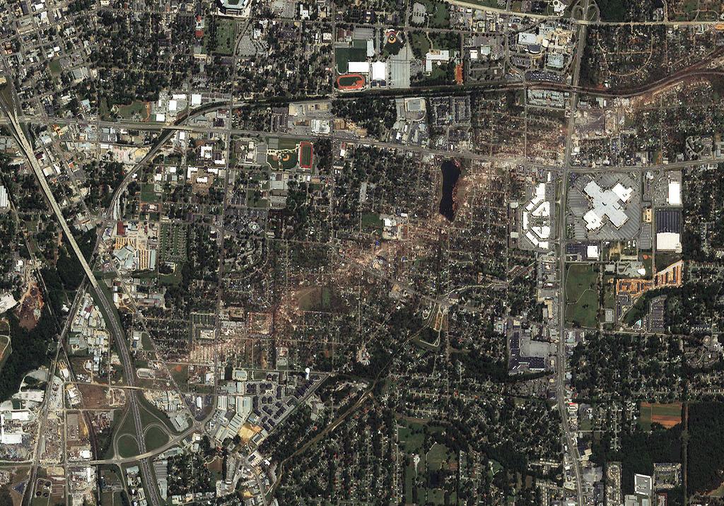 tuscaloosa tornado damage. Tornado Damage-Tuscaloosa