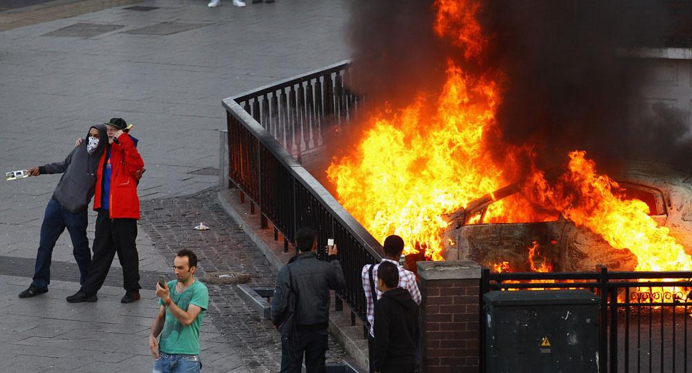 London Riots Photos August 2011 Public Intelligence