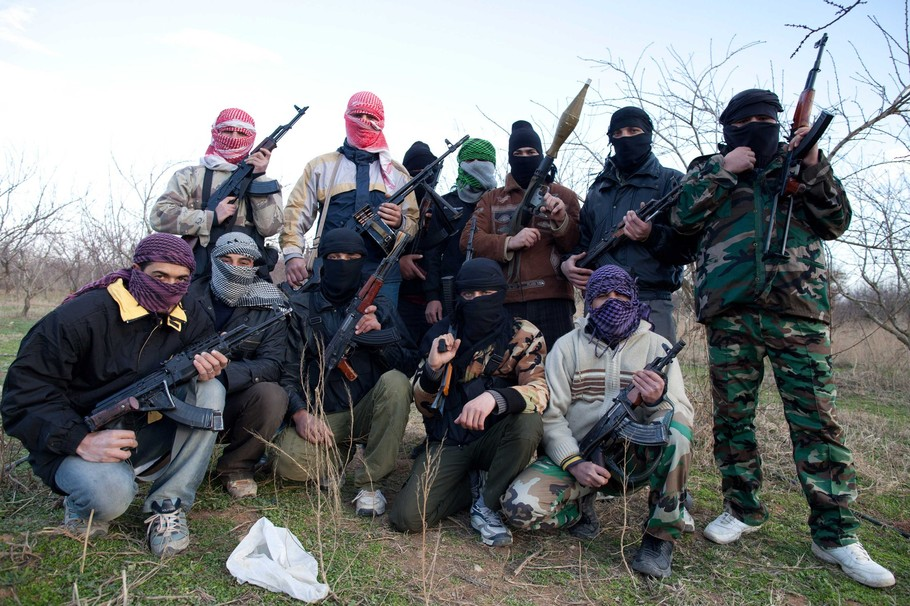 http://publicintelligence.net/wp-content/uploads/2012/02/syrian-rebels-9.jpg